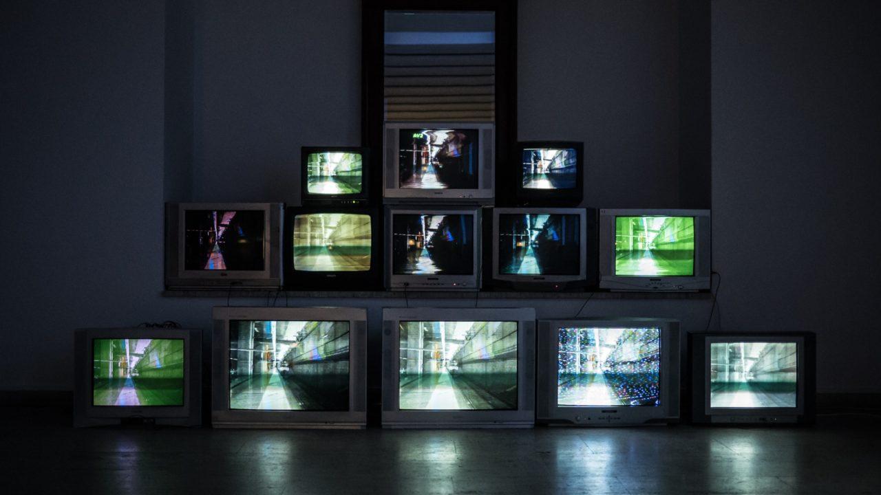 に テレビ は Nhk で プラス 見る